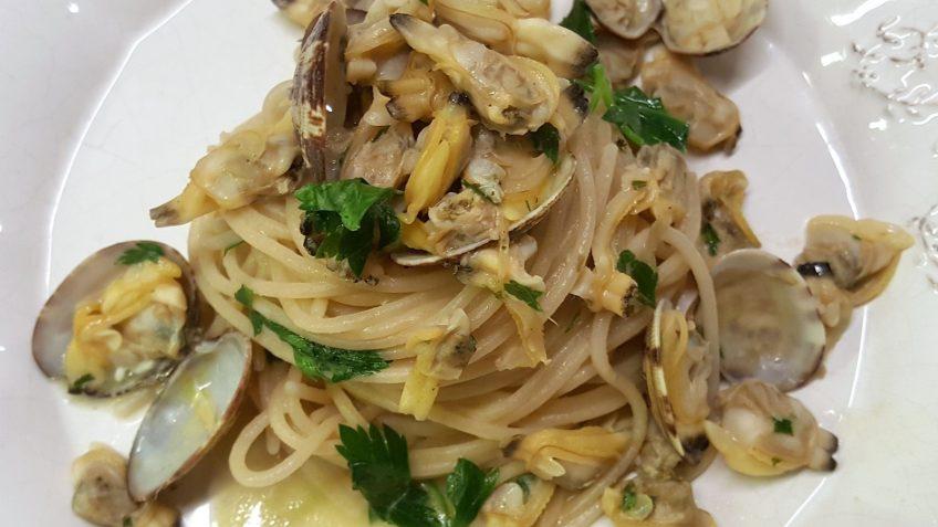 spaghetti di riso alle vongole 3