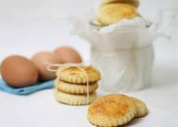 Biscotti con uovo